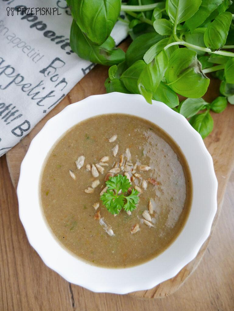 Zupa krem z pieczarek i grzybów leśnych